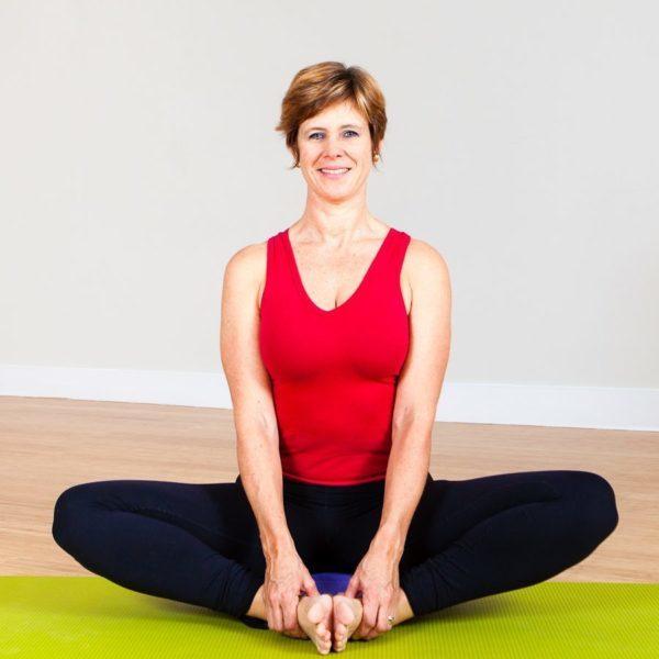 Tanya De Leersnyder – Iyengar yoa