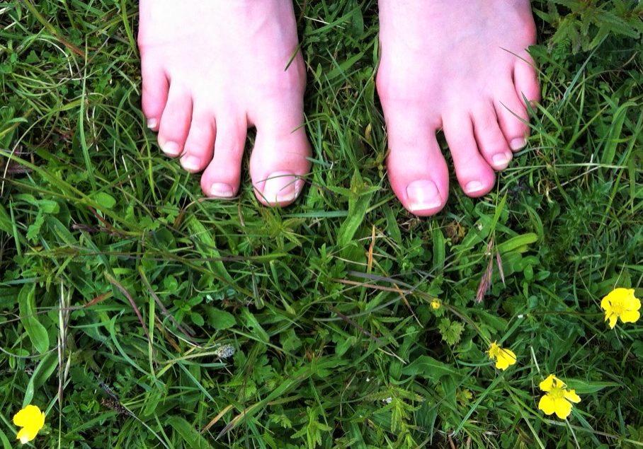 Feet-on-grass.jpg